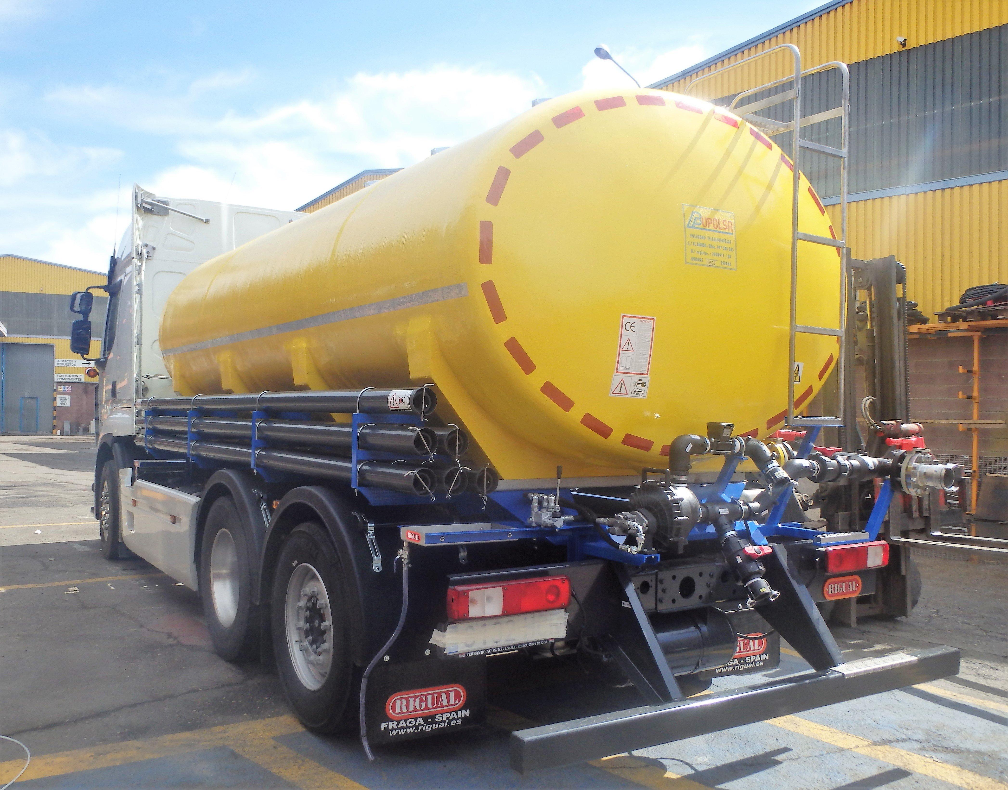 foto-cisterna-abono-sobre-camion-1498225924 (1)