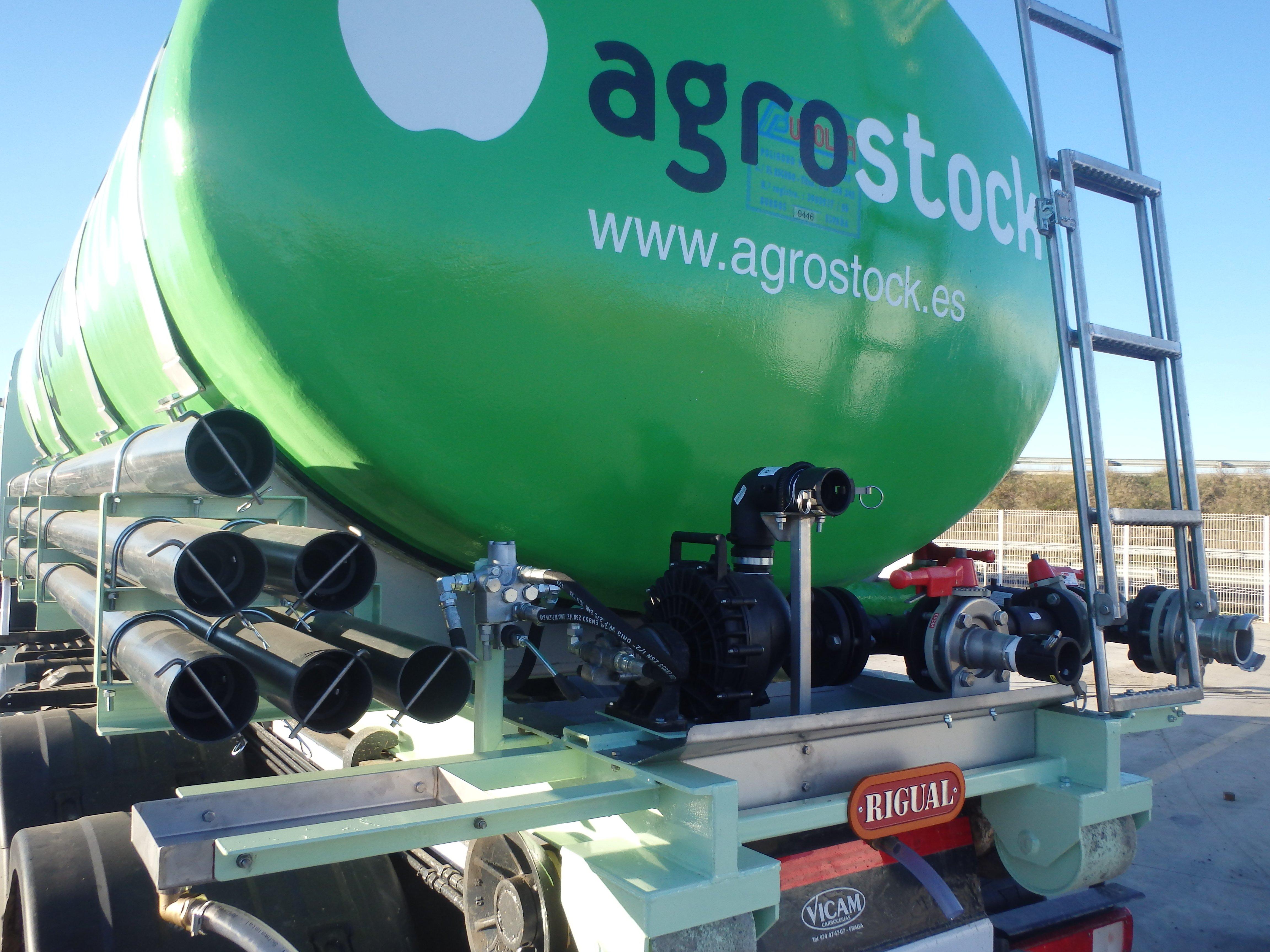 foto-cisterna-abono-sobre-camion-1498226650